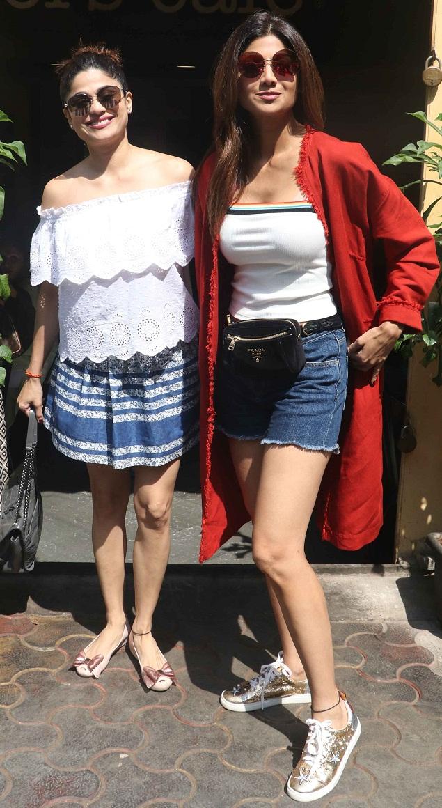 Bollywood Tadka,शिल्पा शेट्टी इमेज,शिल्पा शेट्टी फोटो,शिल्पा शेट्टी पिक्चर, शमिता शेट्टी इमेज,शमिता शेट्टी फोटो,शमिता शेट्टी पिक्चर