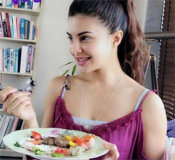 PunjabKesari, Jacqueline Fernandez Beauty Secret Image, Bollywood Actress Beauty Secret Image