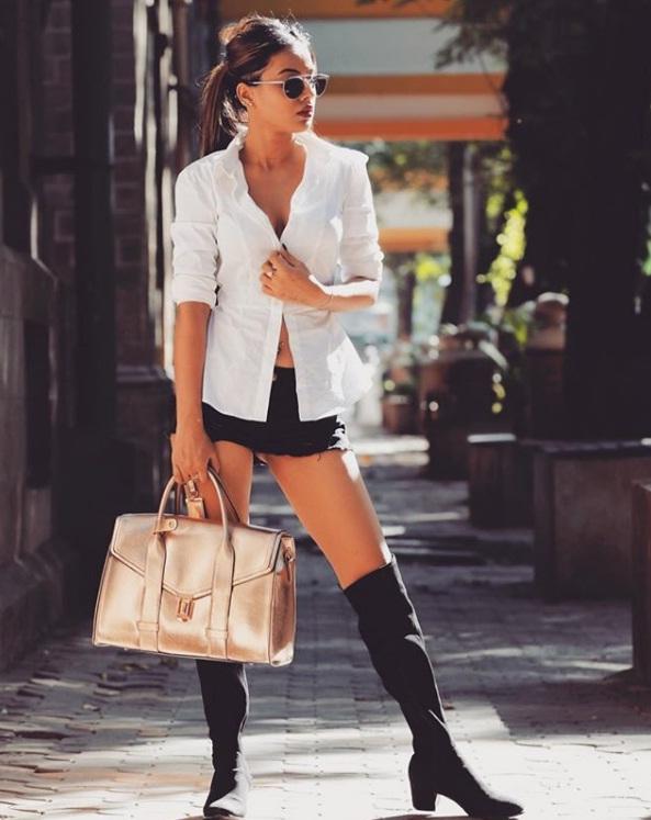 Bollywood Tadka, एशिया की सबसे सेक्सी महिलाएं इमेज, हिना खान इमेज, शिवांगी जोशी इमेज, निया शर्मा इमेज, प्रियंका चोपड़ा इमेज, दीपिका पादुकोण इमेज