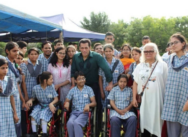 Bollywood Tadka, Salman Khan With Childrens