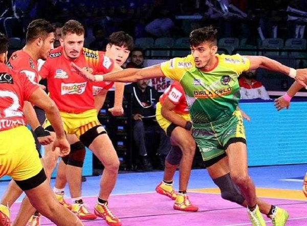 sports news, kabbdai news in hindi, Pro Kabaddi League 2018, Patna pirates, loss, Gujarat Giants playoffs
