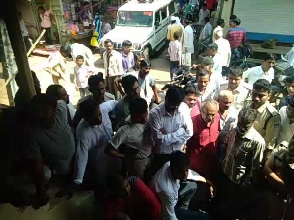PunjabKesari, Madhya Pradesh News, Vidisha News, Sironj News, fake income tax officer, jewelery shop, robbery, police, case registered