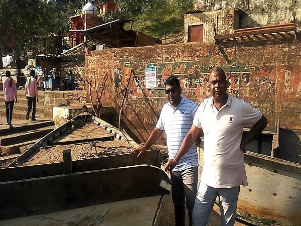 PunjabKesari,Madhya Pradesh News, Jabalpur News, Illegal mining mafia, Collector Bharat Rawat, action, 2 boats seized, Narmada River, sand mining mafia