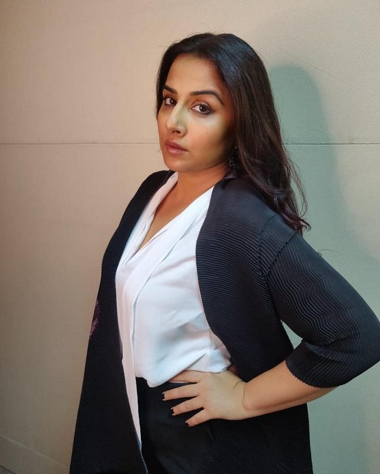 Bollywood Tadka,vidya balan photo,vidya balan images,vidya balan pics,vidya balan picture,vidya balan birthday,विद्या बालन फोटो,विद्या बालन इमेज