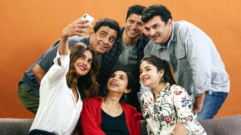 Bollywood Tadka, फरहान अख्तर इमेज, शिबानी दांडेकर इमेज, रोमांटिक अंदाज इमेज, इंस्टाग्राम इमेज, गर्लफ्रेंड इमेज, पूल इमेज,