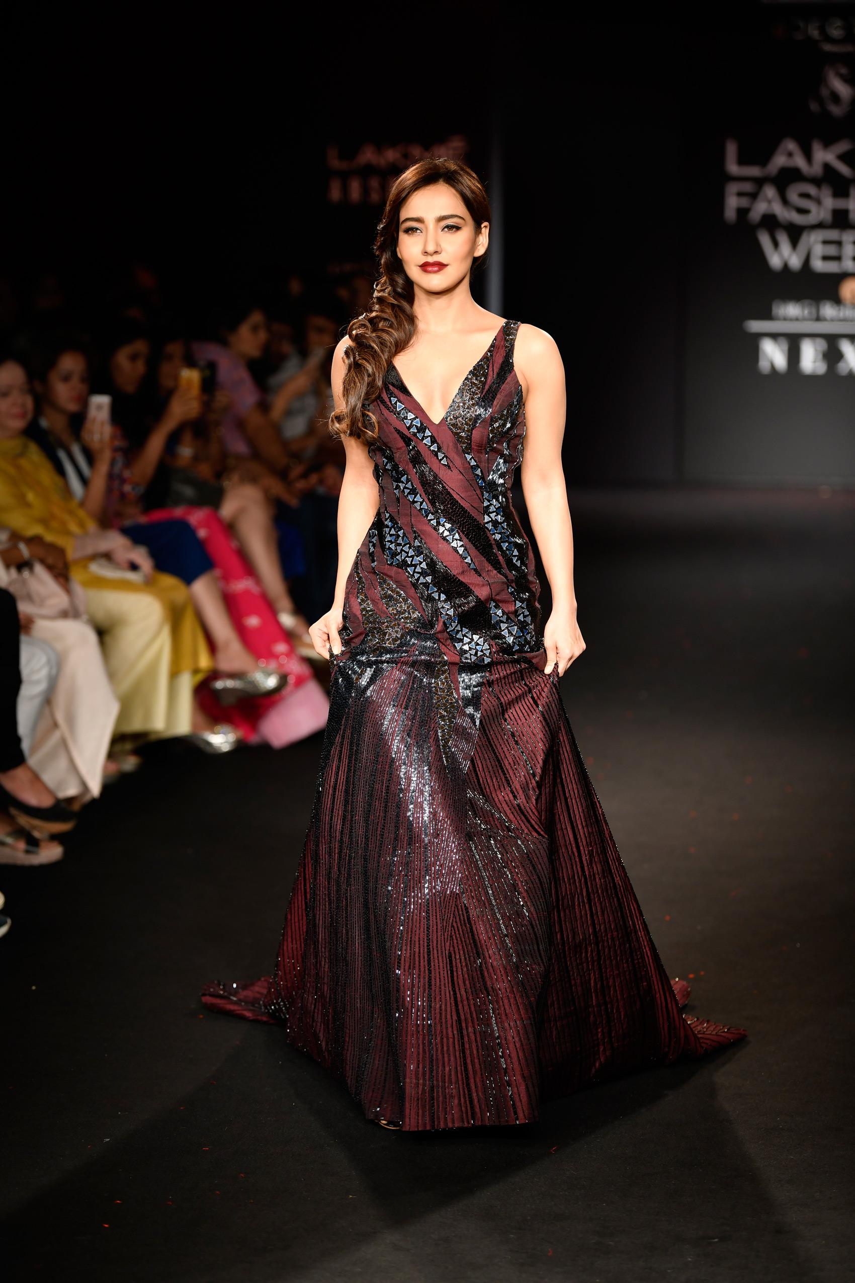 PunjabKesari, Mermaid Gowns Design Image, मरमेड गाउन डिज़ाइन इमेज