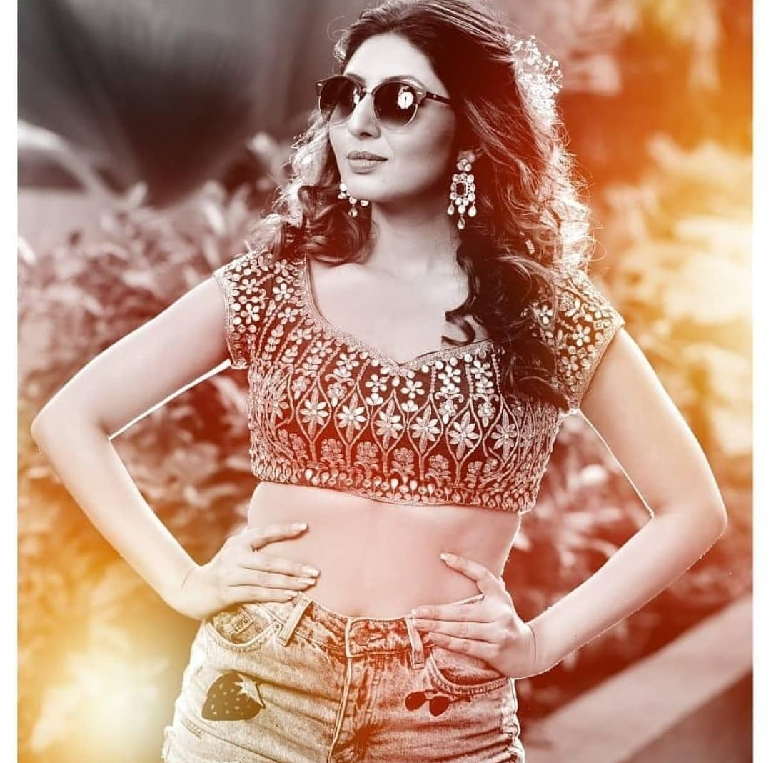 Bollywood Tadka,तान्या गुप्ता इमेज,तान्या गुप्ता फोटो,तान्या गुप्ता पिक्चर,
