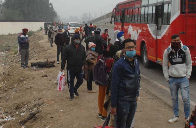 PunjabKesari, Buses got filled up due to holidays for delhi