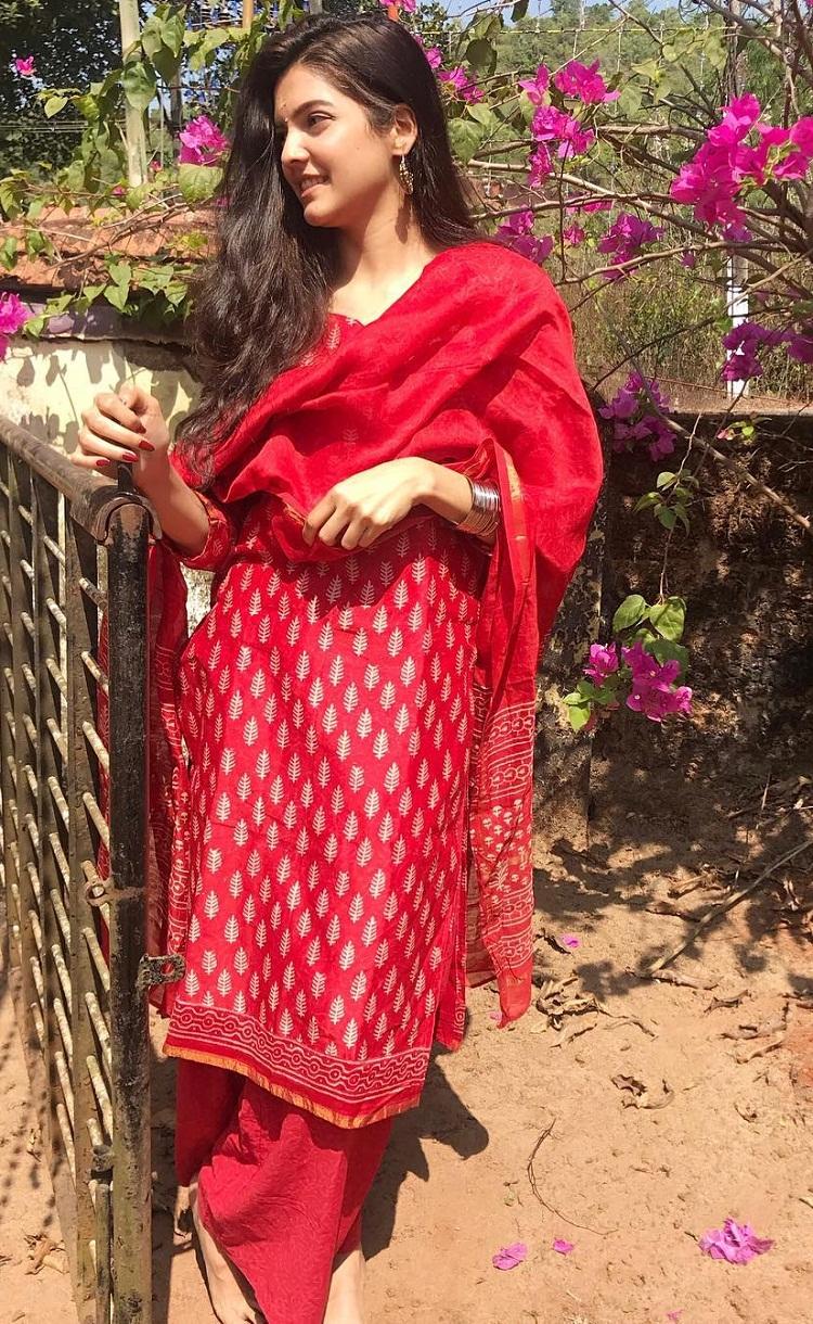 Bollywood Tadka,Ashrita Shetty images, Ashrita Shetty photos, Ashrita Shetty picture, Manish Pandey image