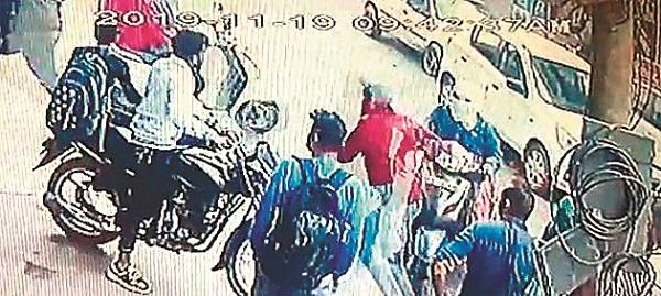 PunjabKesari, car collided with bike