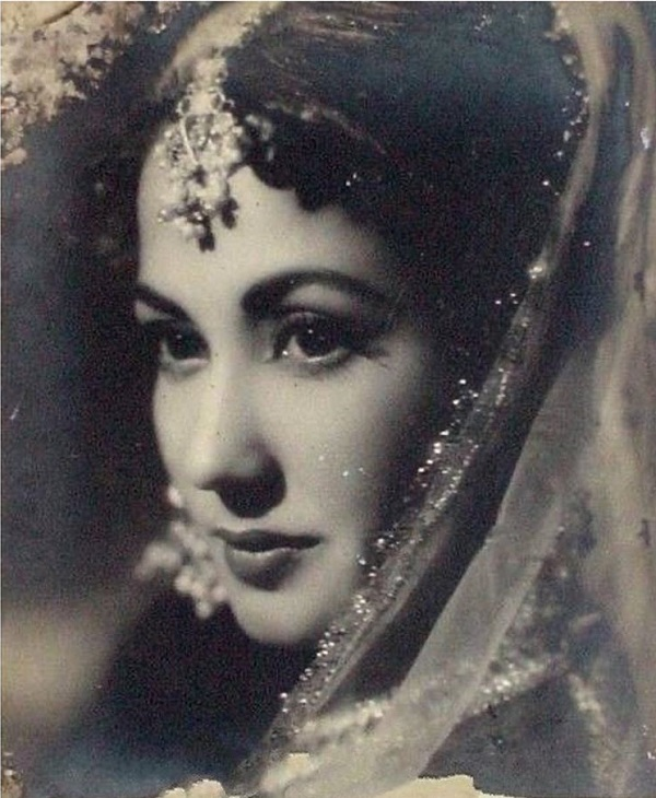 PunjabKesari, Meena kumari