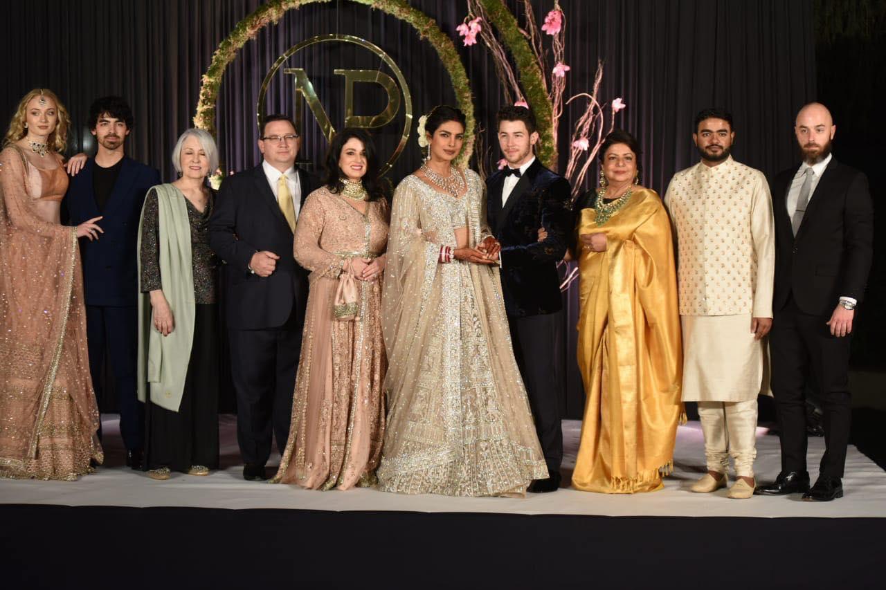 Bollywood Tadka, प्रियंका चोपड़ा इमेज, निक जोनस इमेज, सोफी टर्नर इमेज, जो जोनस इमेज, डेनिस मिलर जोनस इमेज