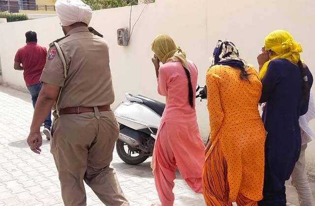 PunjabKesari, couple-was-running-racket-police-busted
