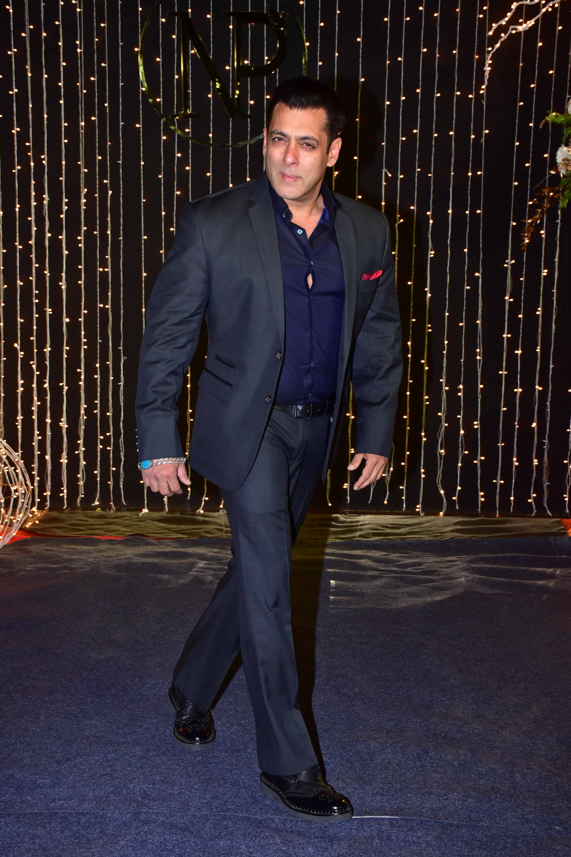 Bollywood Tadka,प्रियंका चोपड़ा इमेज,निक जोनस इमेज,सलमान खान,रिसेप्शन पार्टी इमेज