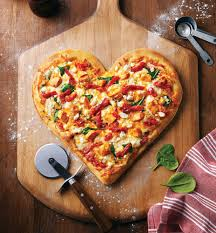 PunjabKesari, Heart shaped pizza image