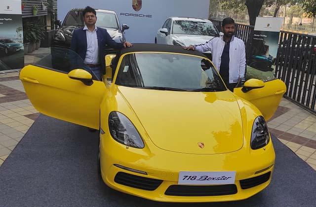 PunjabKesari, Porsche shows its vehicles in Jalandhar