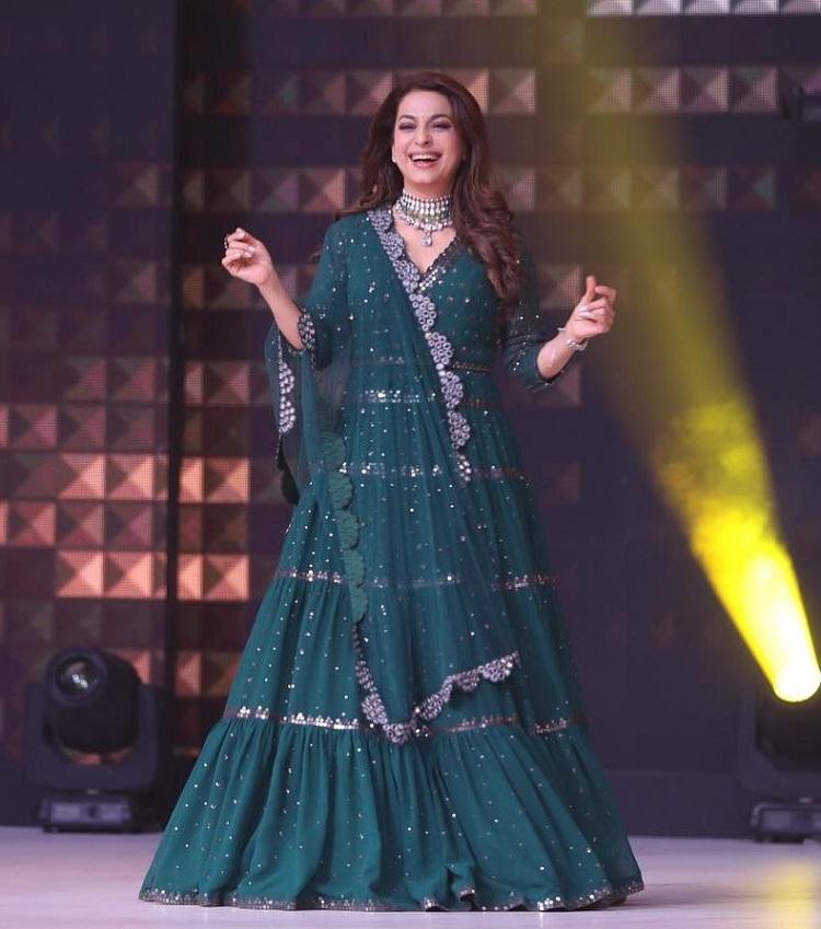 Bollywood Tadka,juhi chawla image, juhi chawla photos,juhi chawla pictures