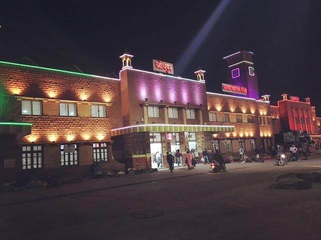 PunjabKesari, Madhya Pradesh News, Katni News, Jabalpur News, Railways survey, Gandhi Jayanti, Ministry of Railways, Railway Minister Piyush Goyal, PM Narendra Modi, List Of Cleanest Indian Railways Stations, Jaipur, Jodhpur, Katni, Most Cleanest Railway Station