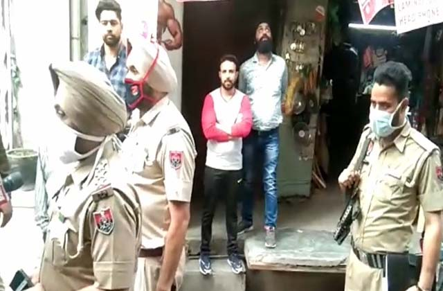 PunjabKesari, mother commit suicide due to in laws