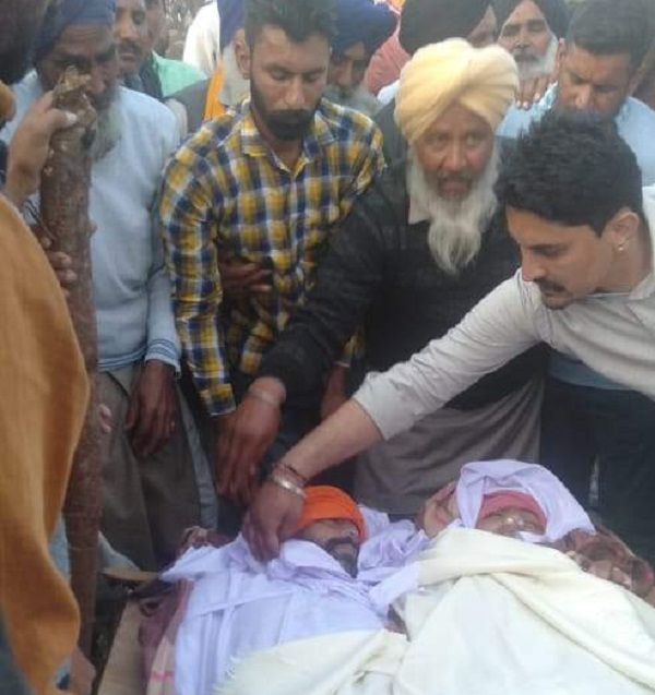 PunjabKesari, mother-daughter in one pyre and husband-wife funeral in second pyre
