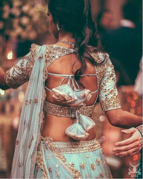 PunjabKesari, Blouse design to look slim, ब्लाउज डिजाइन फॉर स्लिम लुक
