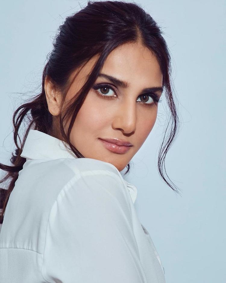 Bollywood Tadka, वाणी कपूर इमेज, वाणी कपूर फोटो, वाणी कपूर पिक्चर