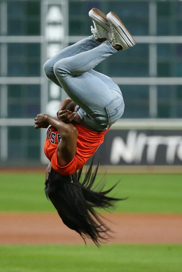 Simone Biles won heart by hitting back flip in Baseball World Series