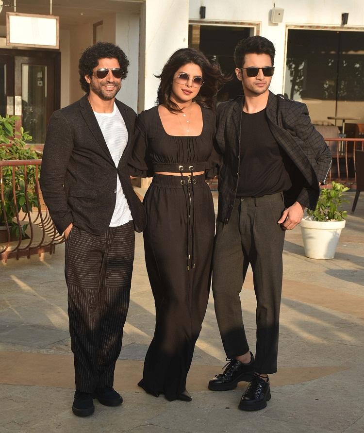 Bollywood Tadka,priyanka chopra image, priyanka chopra photo, priyanka chopra latest pic