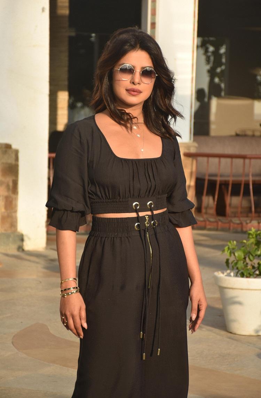 Bollywood Tadka,priyanka chopra image, priyanka chopra photo, priyanka chopra hd image