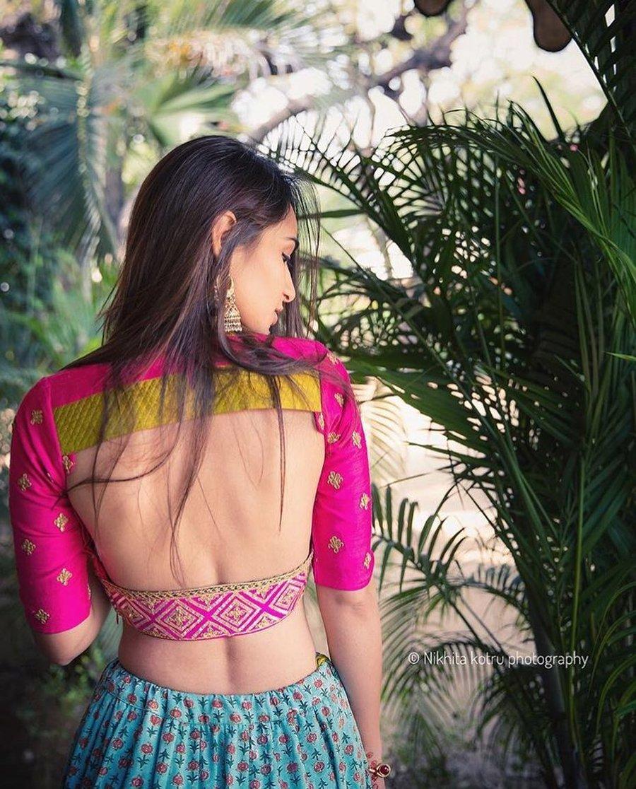 PunjabKesari, Blouse Design without Embroidery,ब्लाउज डिजाइन विथाउट एम्ब्रायडरी