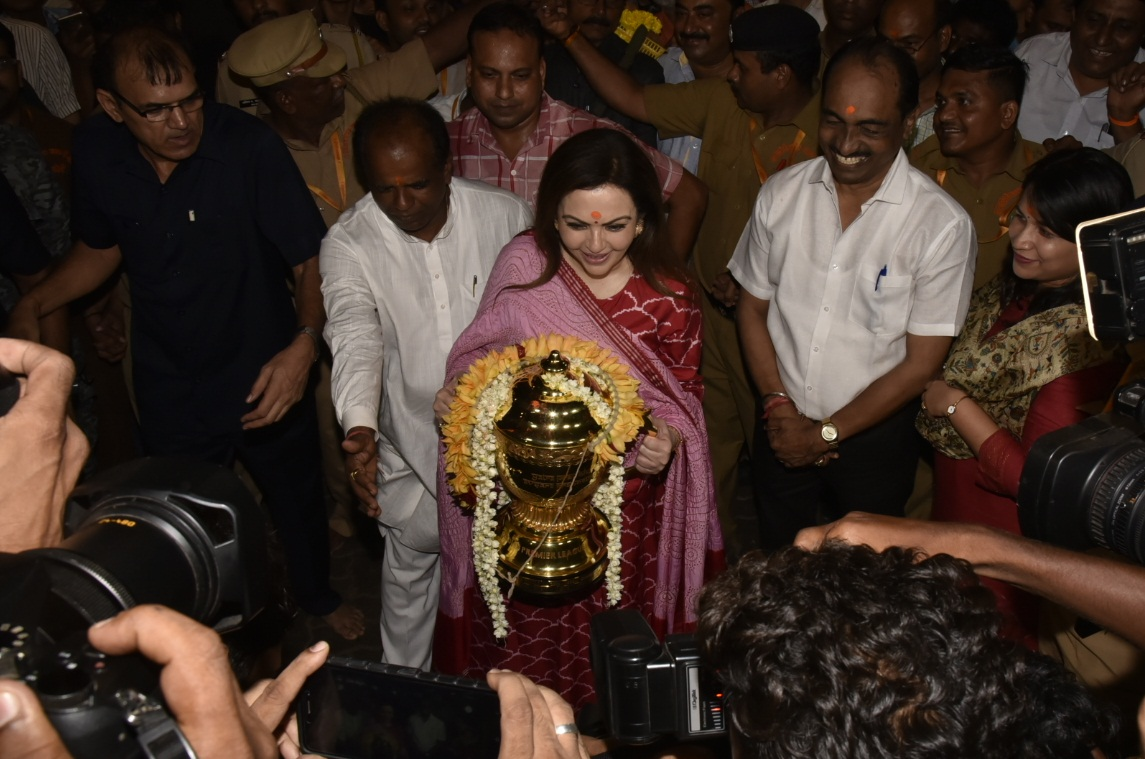 Bollywood Tadka, नीता अंबानी इमेज, नीता अंबानी फोटो, नीता अंबानी पिक्चर