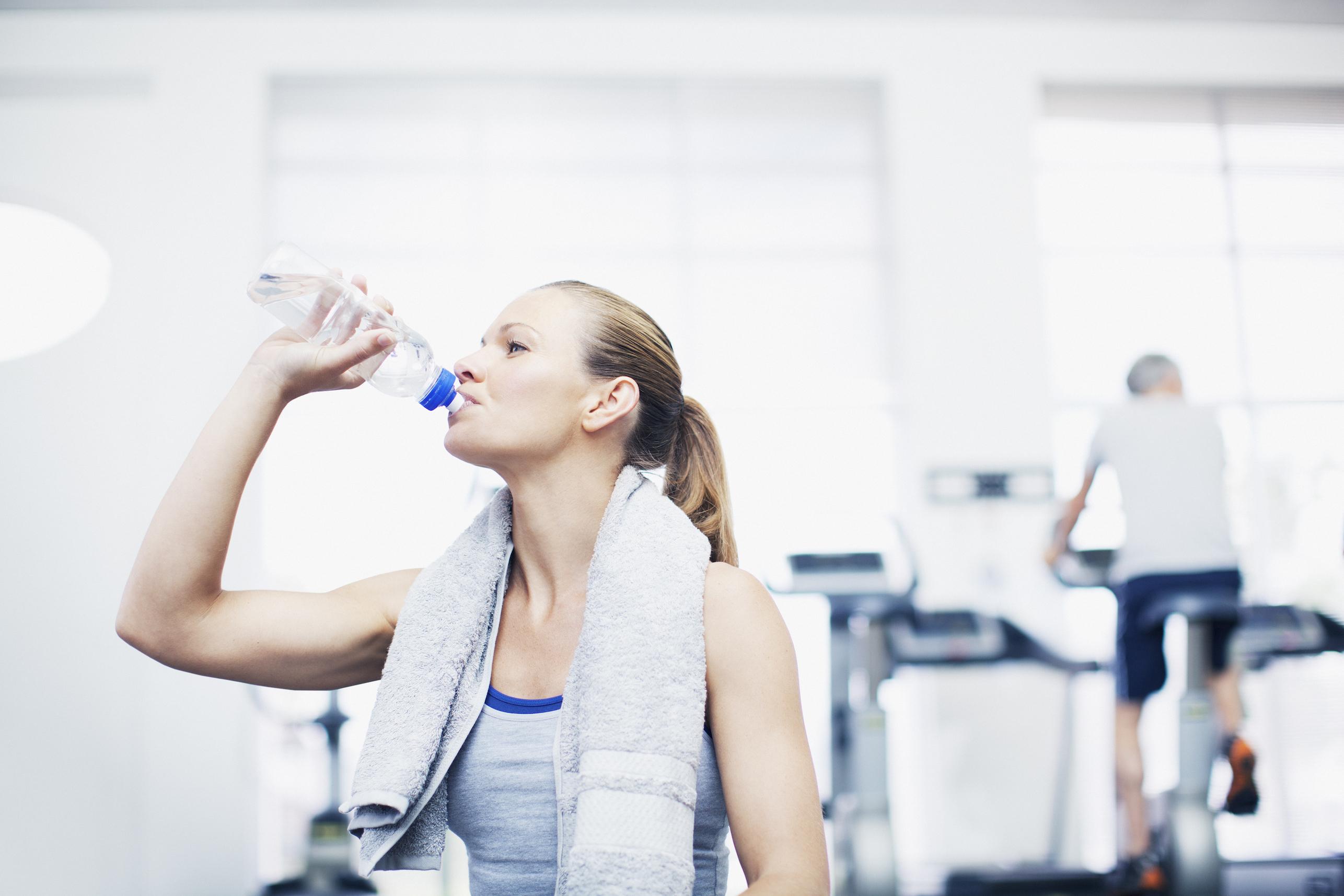 PunjabKesari, Water for weight Loss Image