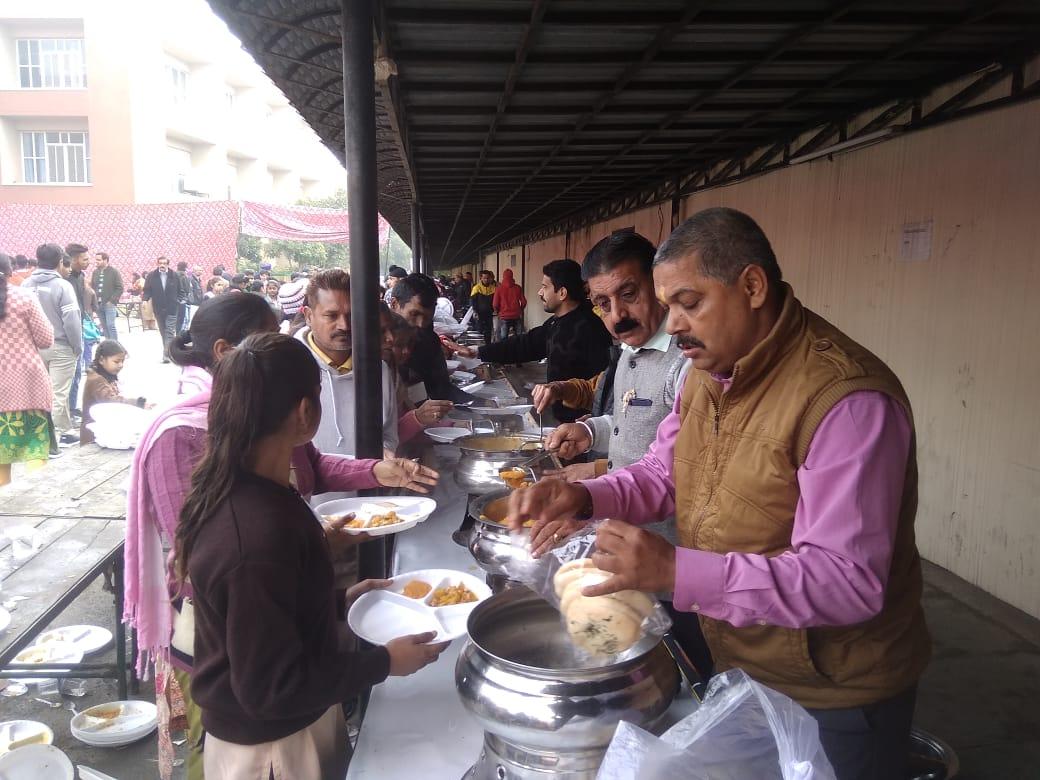 PunjabKesari, Stipend distribution ceremony for students