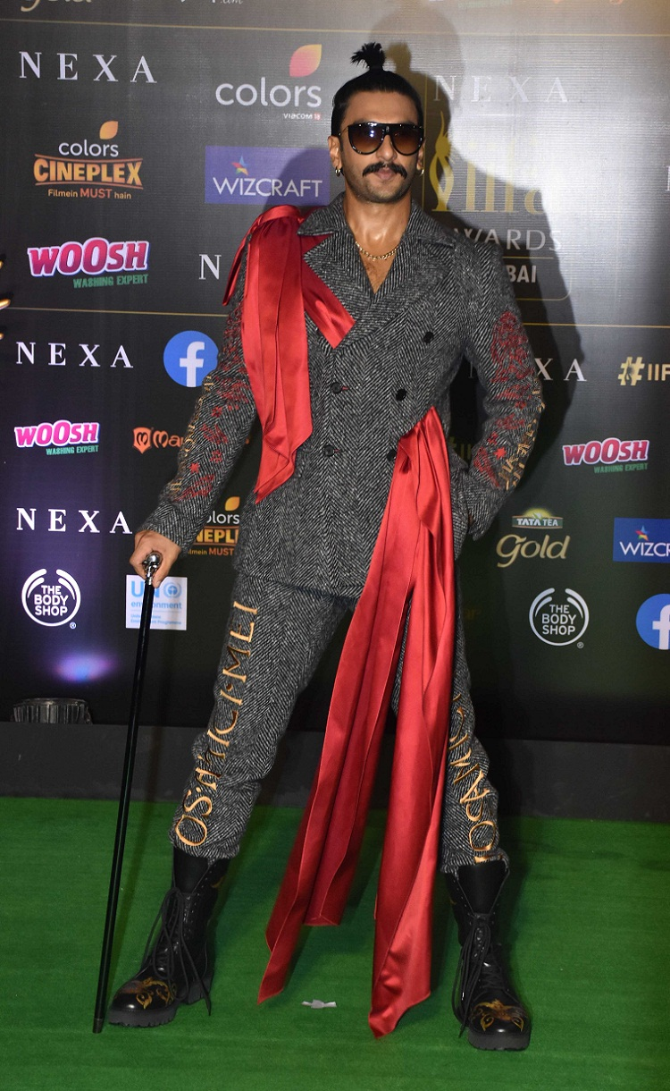 Bollywood Tadka, दीपिका पादुकोण इमेज, दीपिका पादुकोण फोटो, दीपिका पादुकोण पिक्चर, रणवीर सिंह इमेज, रणवीर सिंह फोटो, रणवीर सिंह पिक्चर