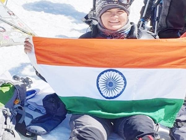 PunjabKesari, Madhya Pradesh News, Bhopal News, Europe, Mount Elbrus, Beti Bachao Beti Padhao, Megha Parmar, Sehore