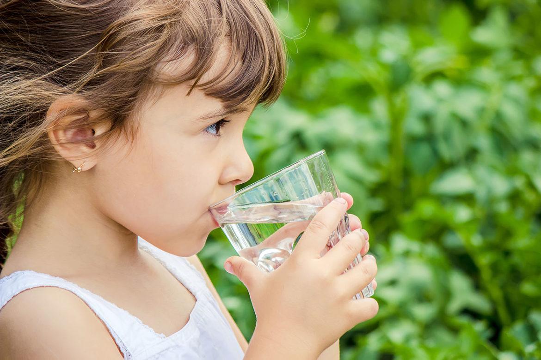 PunjabKesari, Child Drink Water