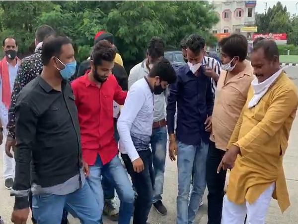 PunjabKesari, Madhya Pradesh, Indore, MP Shankar Lalwani, Sindh Pradesh, Sindhi society, Kshatriya society, protests