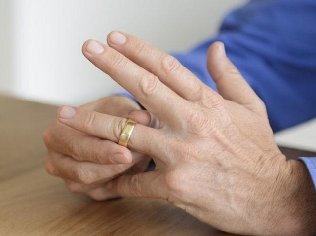 PunjabKesari, Ring Finger