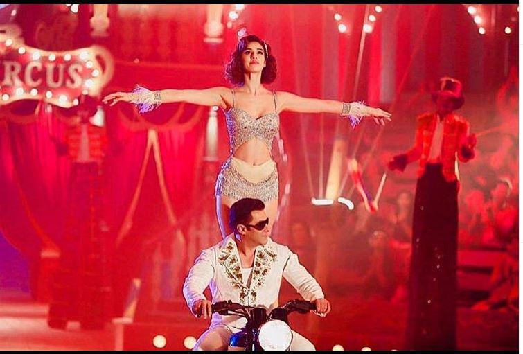 Bollywood Tadka, सलमान खान इमेज, सलमान खान फोटो, सलमान खान पिक्चर, दिशा पटानी इमेज, दिशा पटानी फोटो, दिशा पटानी पिक्चर