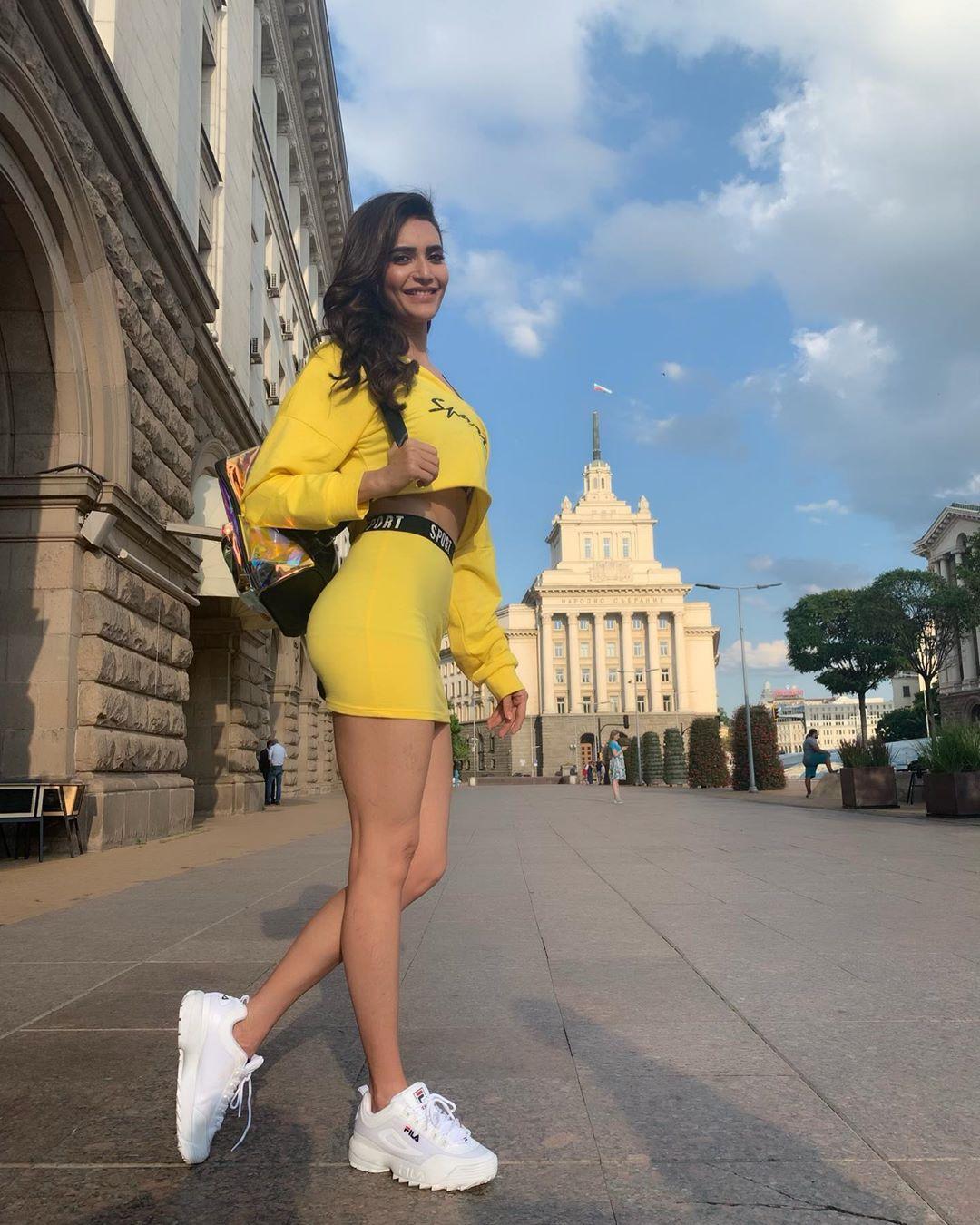 Bollywood Tadka.करिश्मा तन्ना इमेज,करिश्मा तन्ना फोटो,करिश्मा तन्ना पिक्चर,