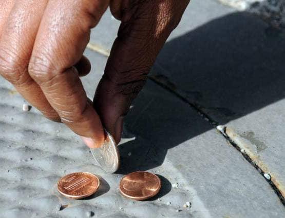 PunjabKesari,रास्ते में गिरे पैसे, Coins on road