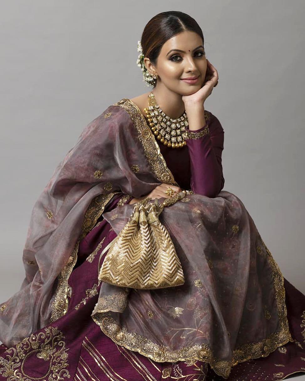 Bollywood Tadka, गीता बसरा इमेज, गीता बसरा फोटो, गीता बसरा पिक्चर