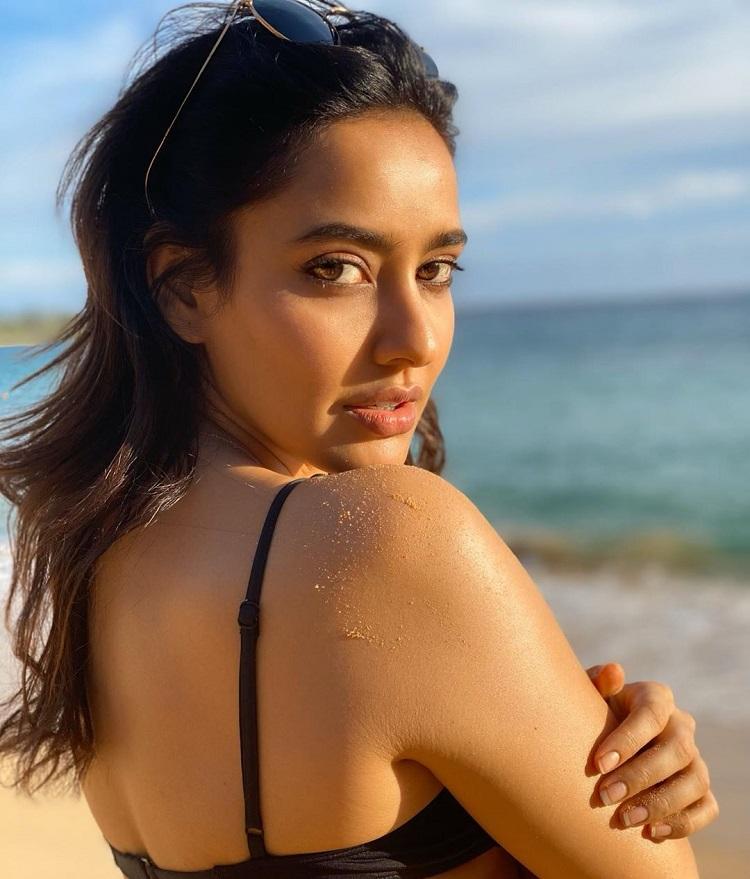 Bollywood Tadka,neha sharma  image, neha sharma  photo, neha sharma pictures,