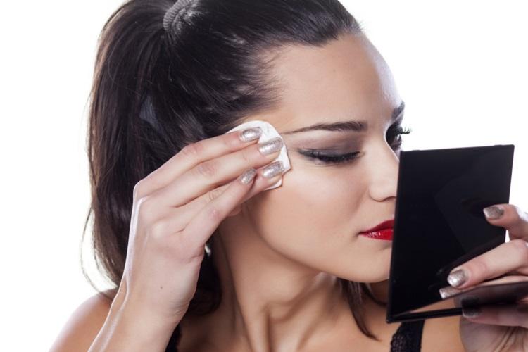 PunjabKesari, Nari, Makeup Remover Image