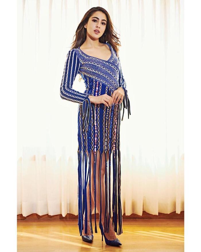 PunjabKesari,nari, Promotion style of sara, Sara ali khan Dress Image
