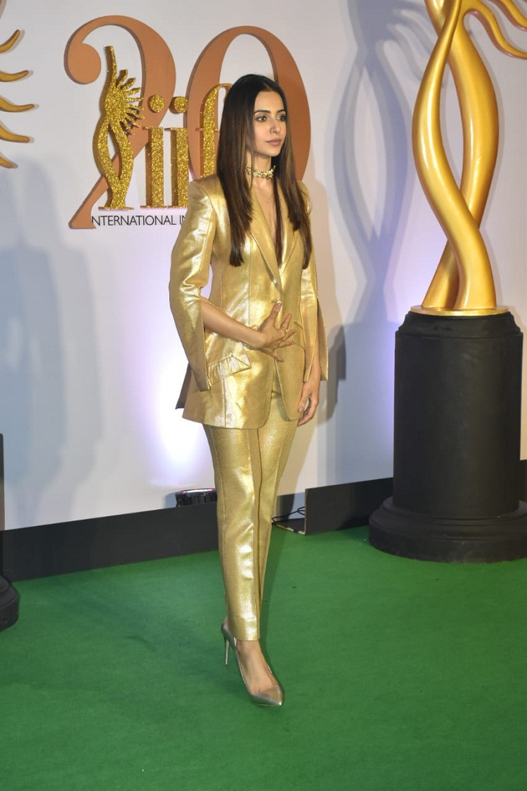 Bollywood Tadka, रकुल प्रीत इमेज, राजुल प्रीत फोटो, रकुल प्रीत पिक्चर