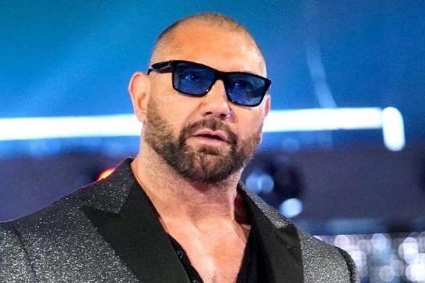 Former WWE star Batista, The Rock, Dwayne Johnson, WWE, Sports news, Wrestling news in hindi