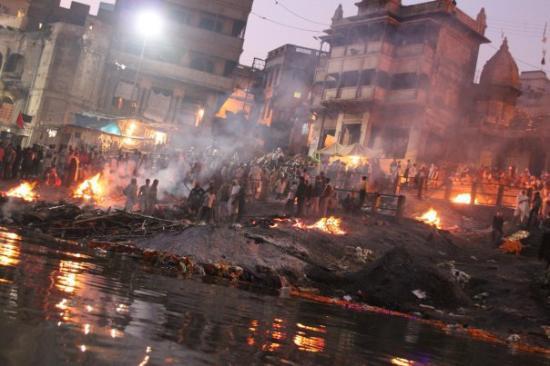 PunjabKesari, Varanasi Holi, Manikarnika ghat, Holi Manikarnika ghat, मणिकर्णिका घाट