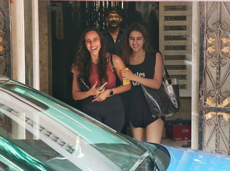 Bollywood Tadka, सारा अली खान इमेज, सारा अली खान फोटो, सारा अली खान पिक्चर, नम्रता पुरोहित इमेज, नम्रता पुरोहित फोटो, नम्रता पुरोहित पिक्चर