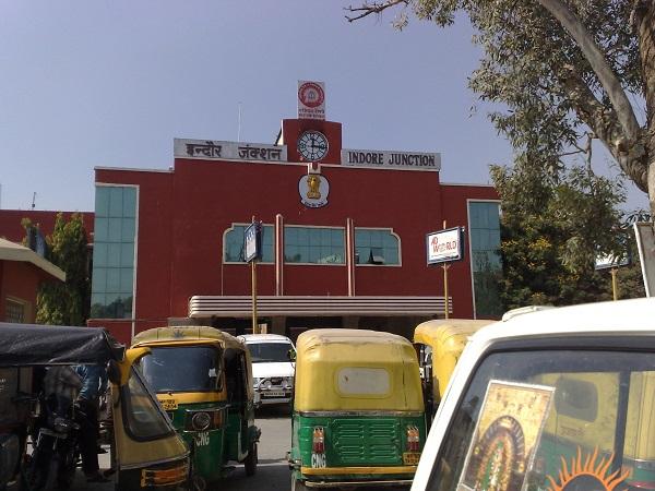 PunjabKesari, Indore, after unlock, Indore Howrah Kshipra Express, Trains start, Indore to Delhi